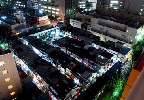 Le Golden Gai de Shinjuku vu du ciel